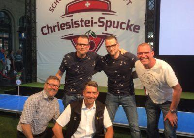 4.7.2019: Zürcher Chriesisteispucker im Wettkampf